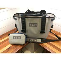 YETI Hopper 20 Fog Gray / Tahoe Blue Soft Cooler with Sidekick
